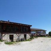 D-0615_malga_romeno_alm_mountain_bikes.JPG