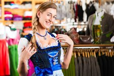 RS Adobe Stock tirol shopping dirndl